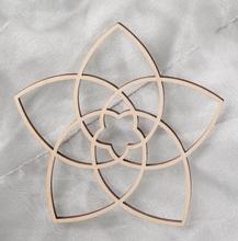 Venusblume aus Holz - 10.8 cm