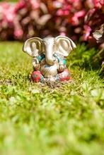 Ganesha versilbert - Messing mit Steinen, 7 cm