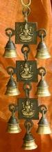 Glockengeläut mit Lakshmi