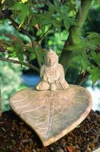 Speckstein - Halter - Buddha auf Blatt